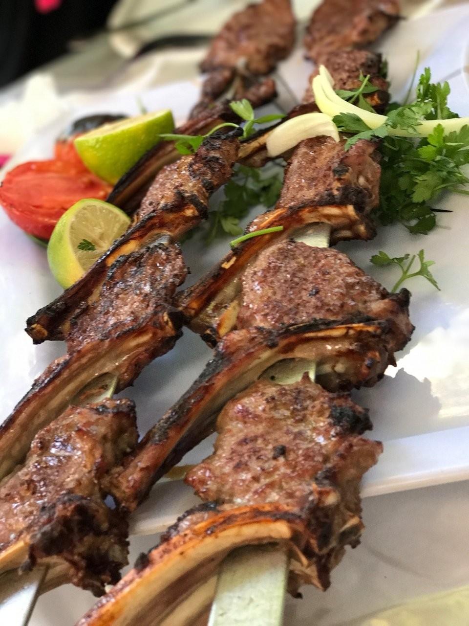 Eram Shandiz Restaurant (4).jpg