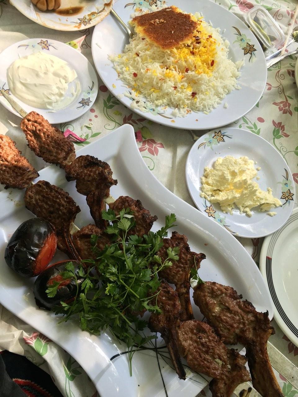 Eram Shandiz Restaurant (2).jpg