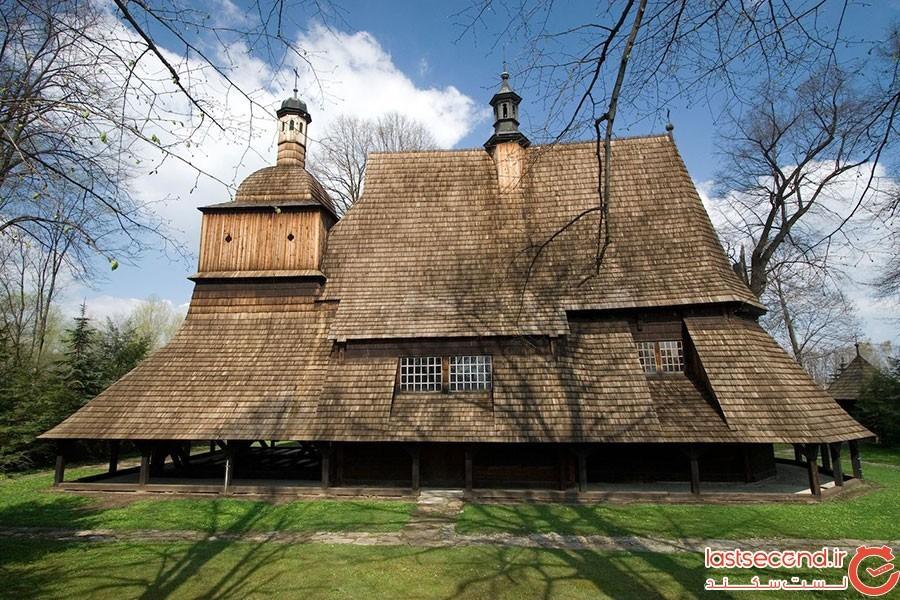 کلیسای چوبی مالوپولسکا در لهستان