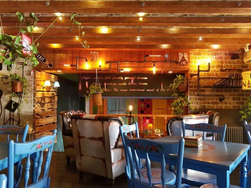 Kiosk Cafe (4).jpg