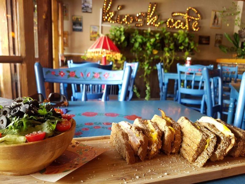 Kiosk Cafe (6).jpg
