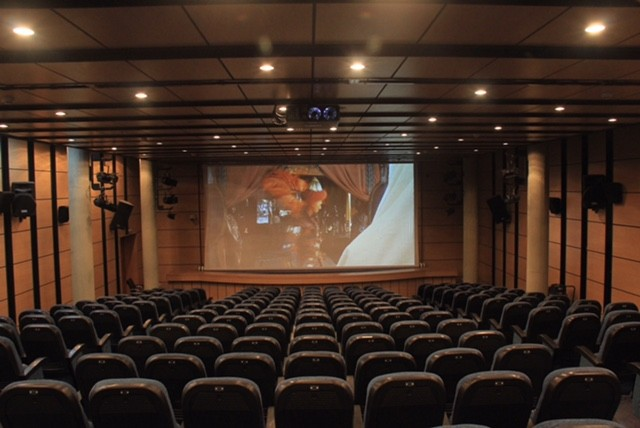 Cinema Farhang Shiraz (2).jpg