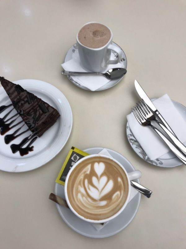 Viuna Cafe (6).jpg