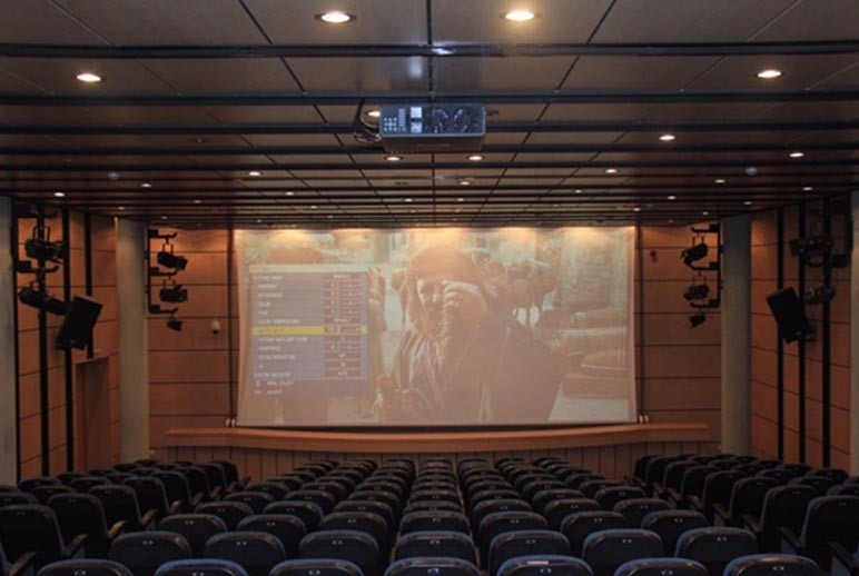 Cinema Farhang Shiraz (1).jpg