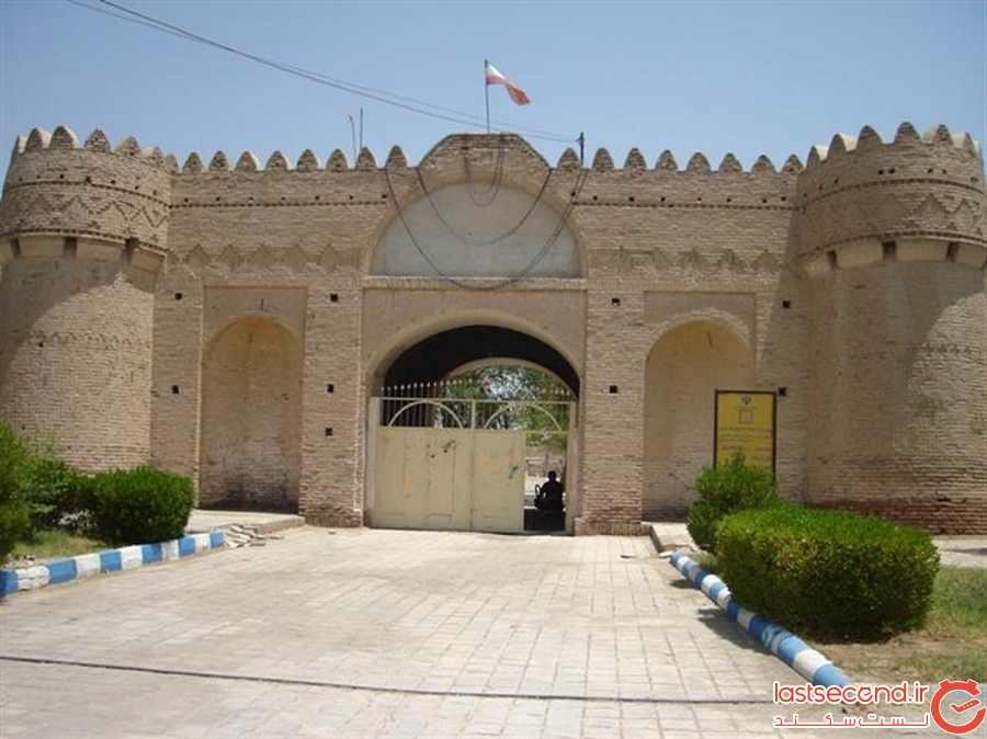 قلعه ناصری ایرانشهر