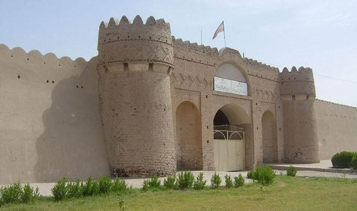 قلعه ناصری ایرانشهر، یادگار تسخیر شده قاجارها