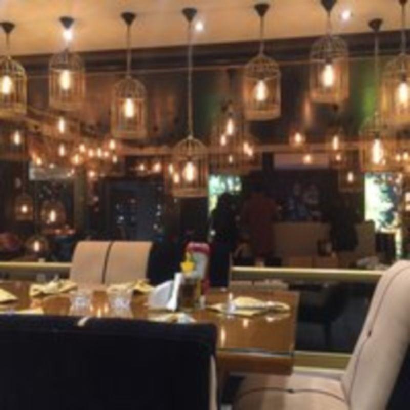 Royaei Cafe Restaurant (1).jpg