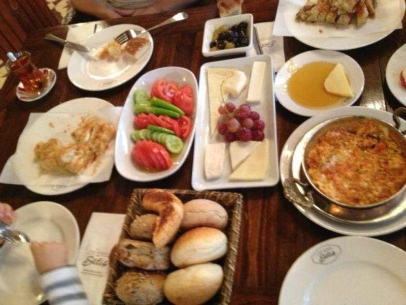 رستوران امیرگان سوئیتس