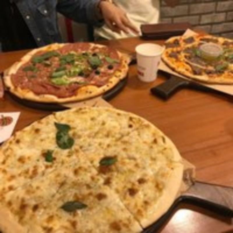 Napel Pizza Restaurant (2).jpg