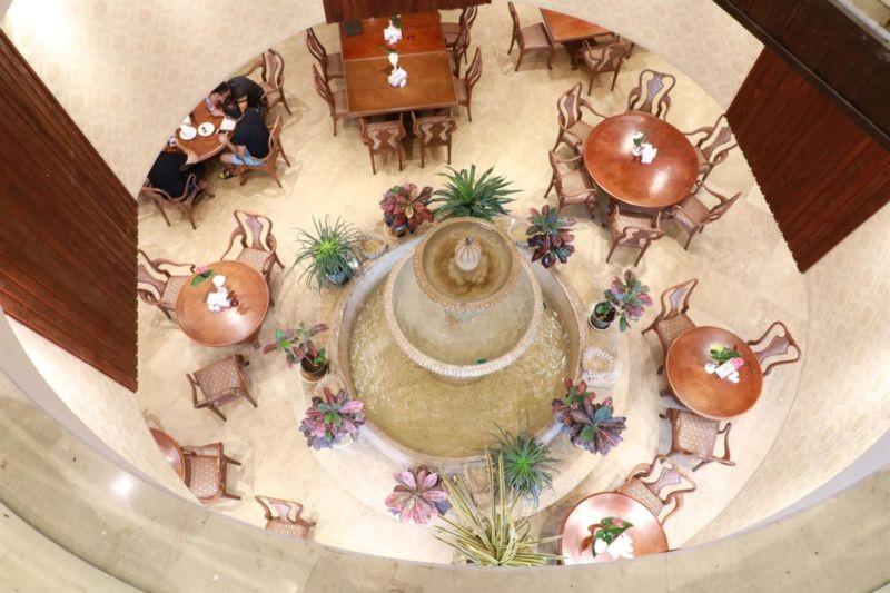 Orkideh Restaurant (5).jpg