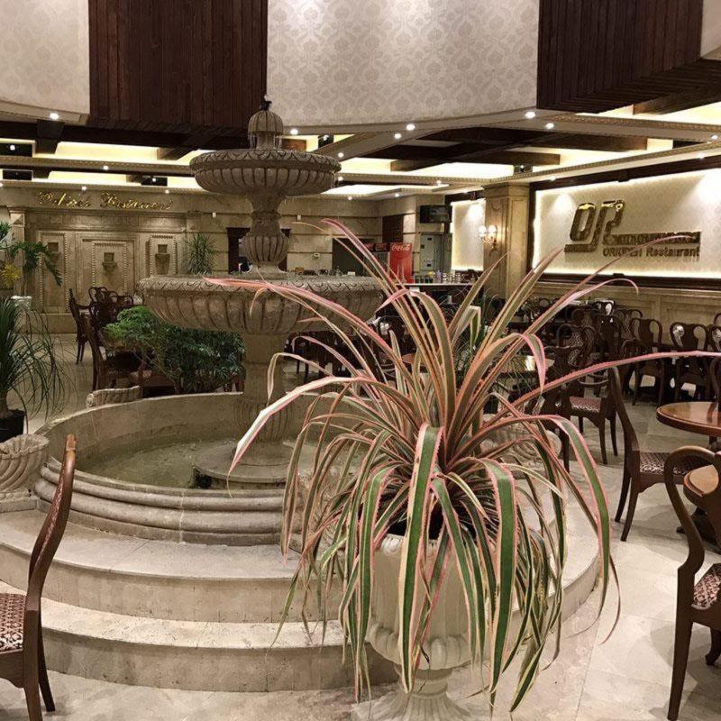 Orkideh Restaurant (2).jpg