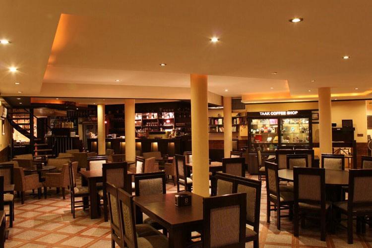 کافه رستوران تاک