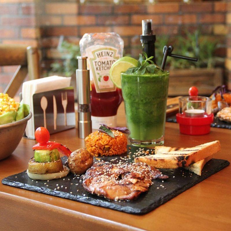 Casa Restaurant-03.jpg