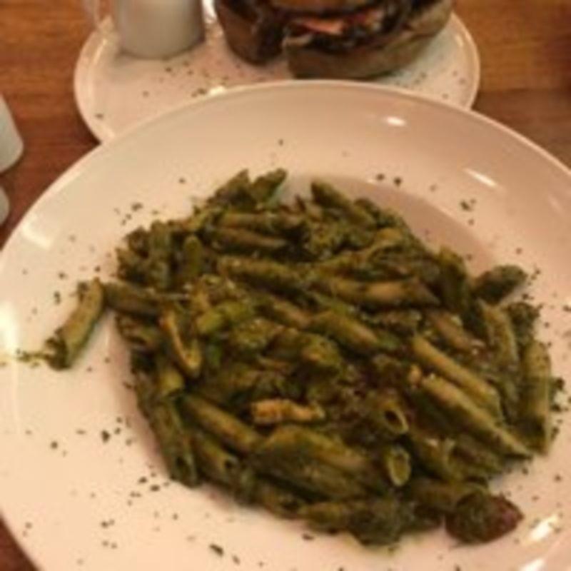 Punteh Restaurant (3).jpg