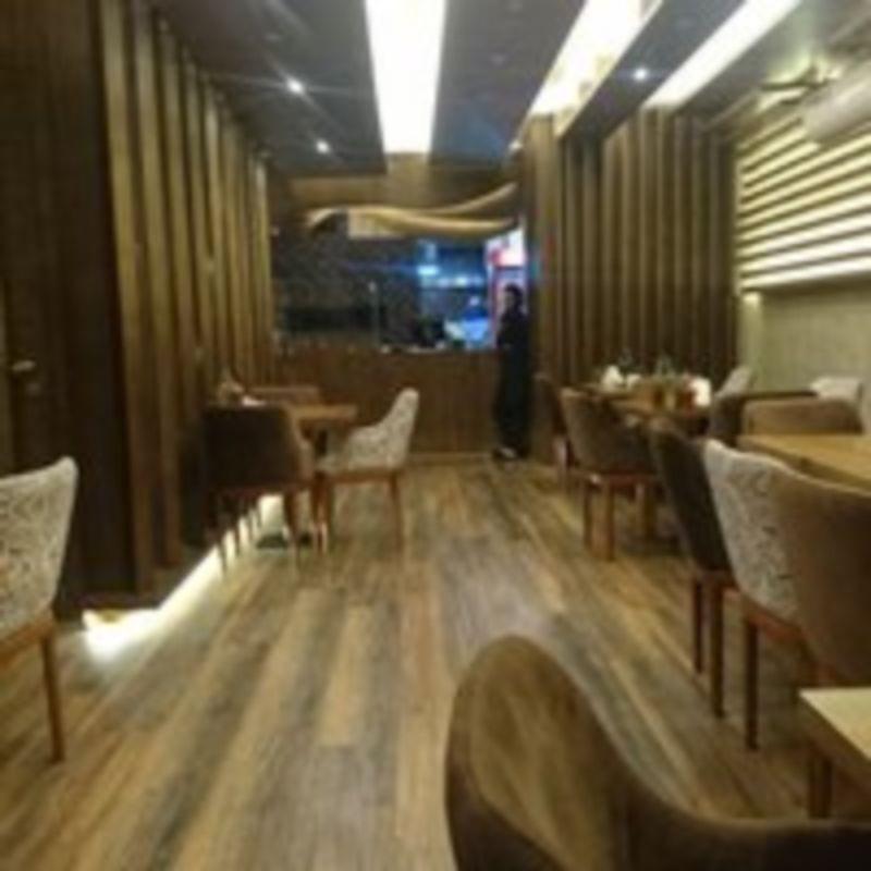 Punteh Restaurant (1).jpg