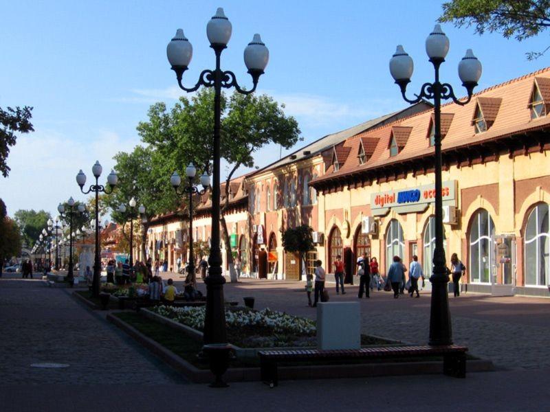 Gostiny Dvor Shopping mall (5).jpg