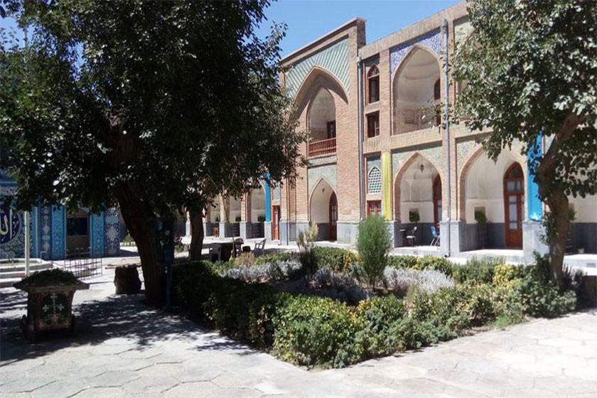 مدرسه عباسقلی خان، شاهکاری در دل مشهد
