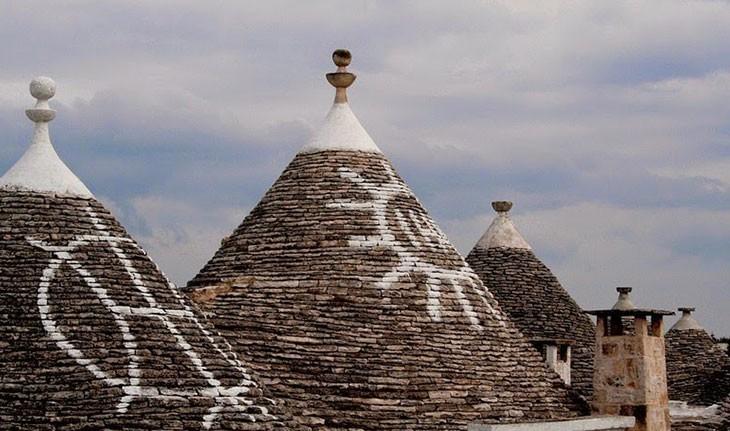 خانه های ترولی شهر آلبرو بلو