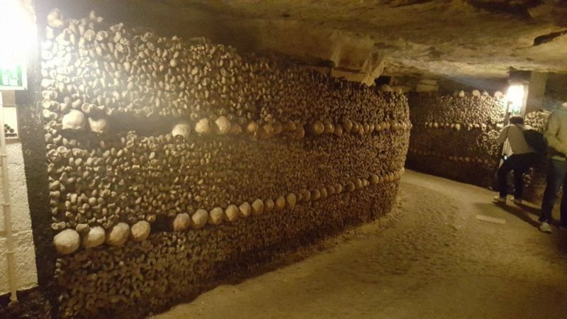The Catacombs of Paris (4).jpg