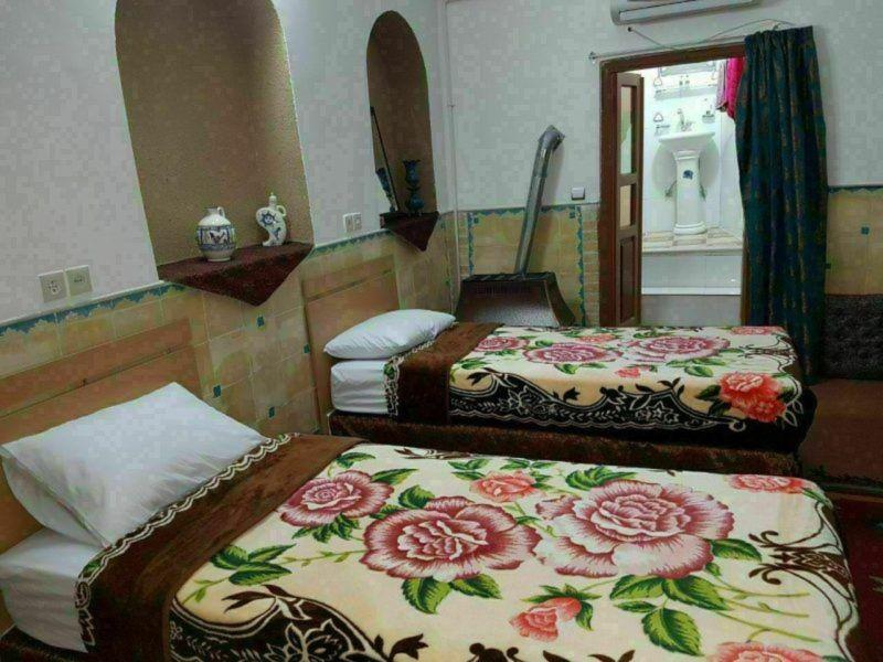 Khesht Abad Hotel (8).jpg