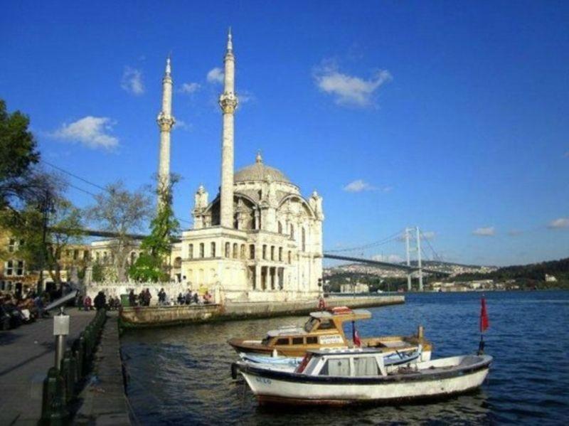 Ortakoy Mosque (2).jpg