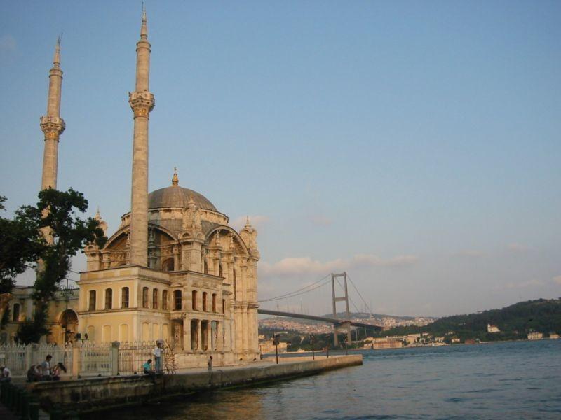 Ortakoy Mosque (1).jpg