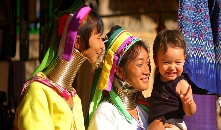 با قوم عجیب کایان در تایلند بیشتر آشنا شویم