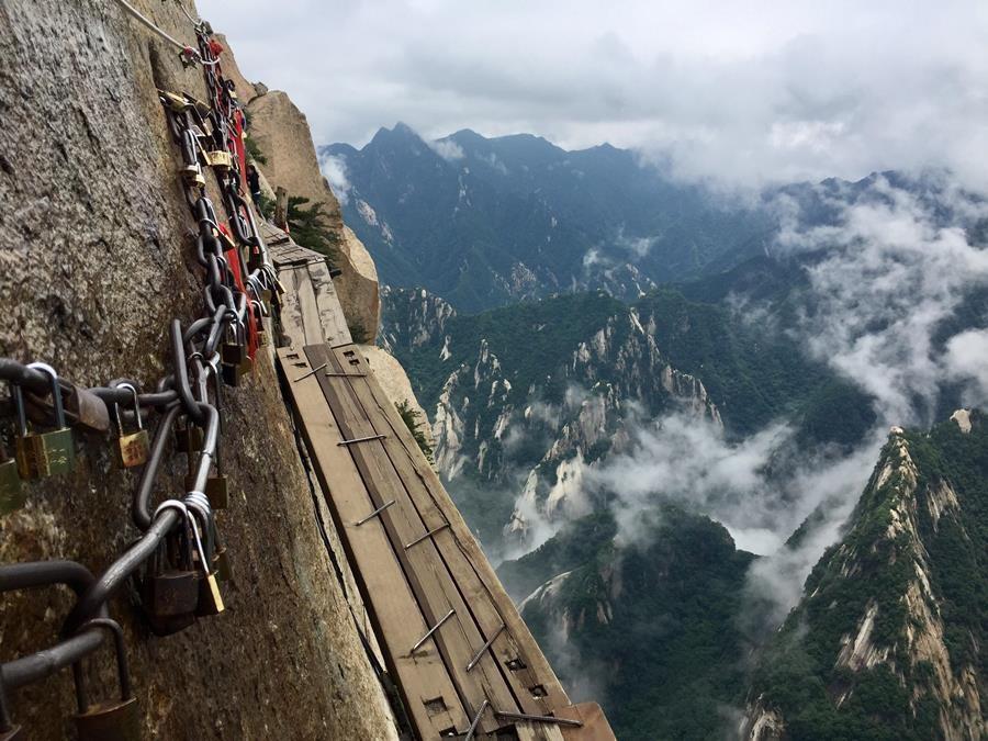 پرخطرترین و زیباترین مسیر جهان در چین