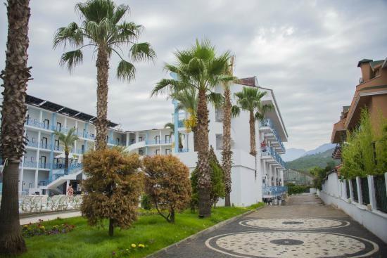 blue-sky-semer-hotel.jpg