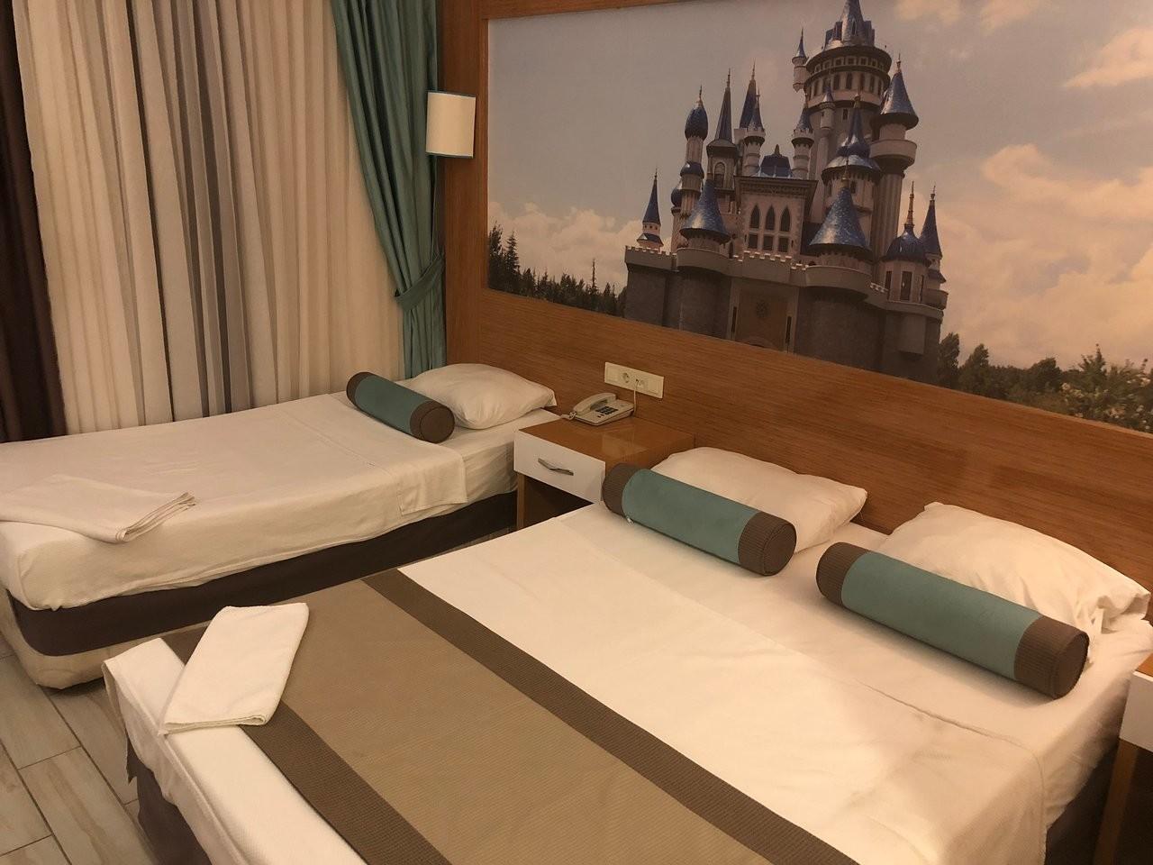 blue-sky-semer-hotel (2).jpg