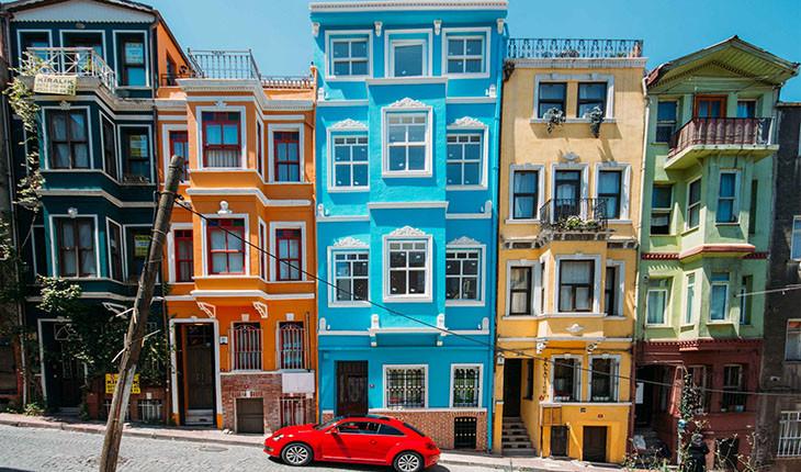 محله ی بالات استانبول و خانه های تاریخی رنگارنگش