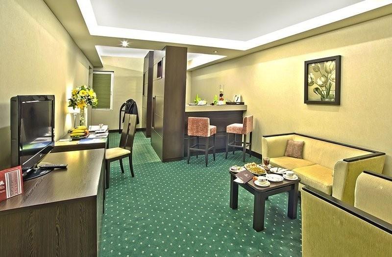 Parsian Evin Hotel (4).jpg
