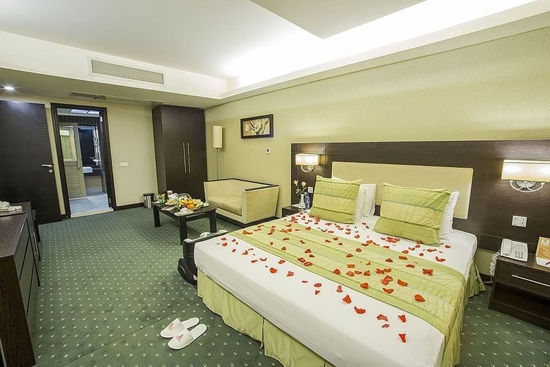 Parsian Evin Hotel (10).jpg