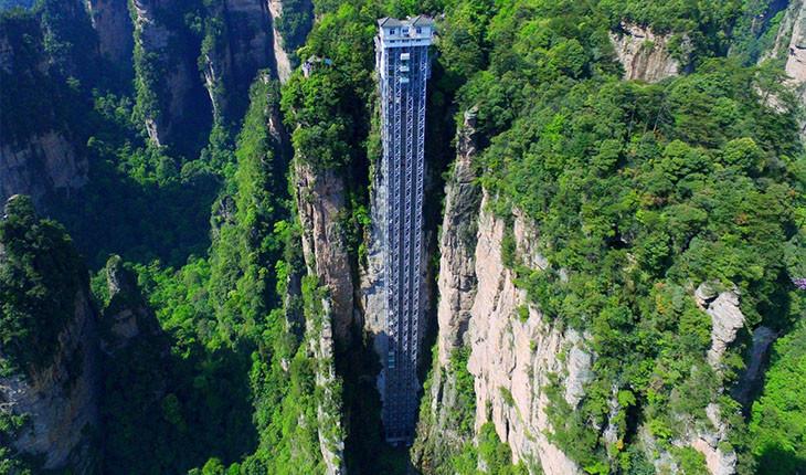 صد اژدها، بلندترین آسانسور فضای باز در دنیا