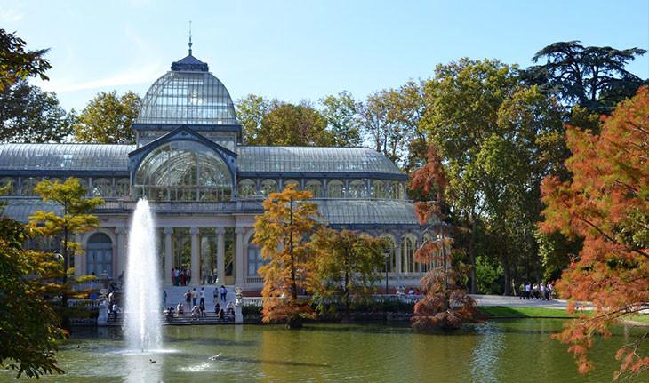 کاخ کریستال، سازهای شیشهای و خیرهکننده در مادرید