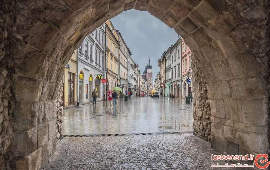 دروازهی سنت فلورین (St. Florian's Gate) و خیابان فلوریانسکا (Florianska Street)
