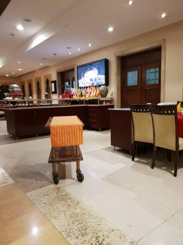 Parsian Safaiyeh Hotel (10).jpg