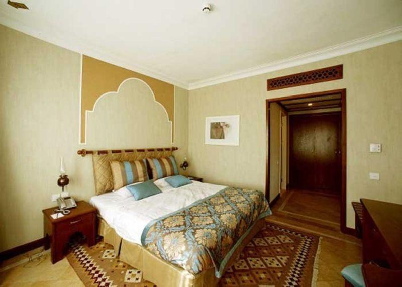 Parsian Safaiyeh Hotel (4).jpg