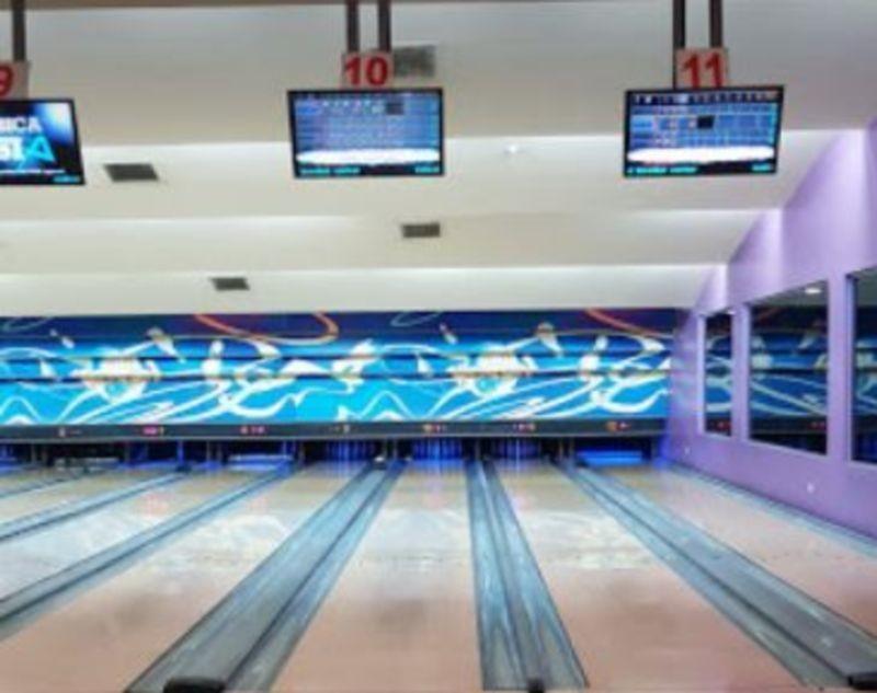 Wonderland Bowling Center (3).JPG