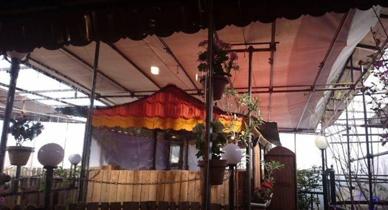 Shab Neshin Restaurant (1).JPG