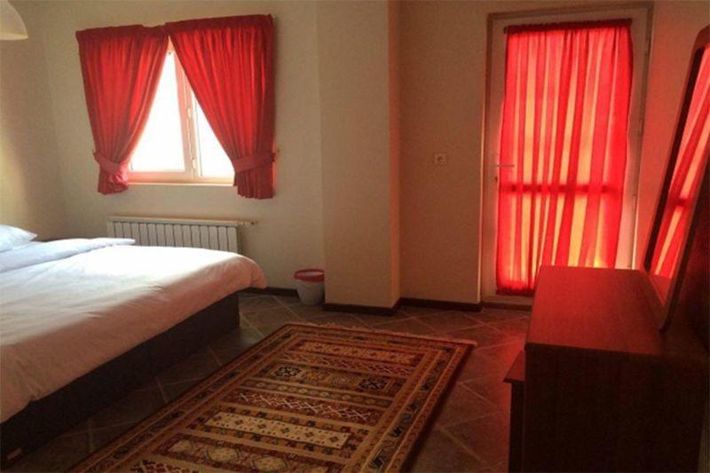 Kish Mehr Hotel (1).jpg