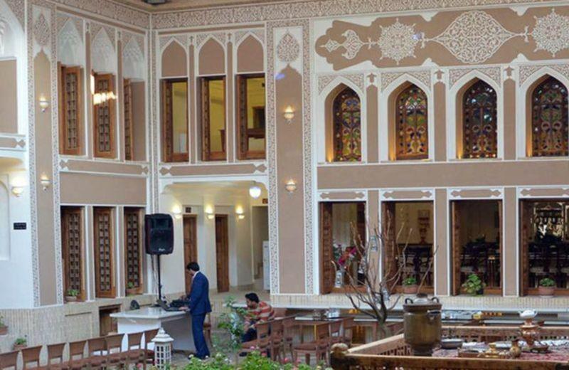 Khaneh Pedari Restaurant (1).jpg