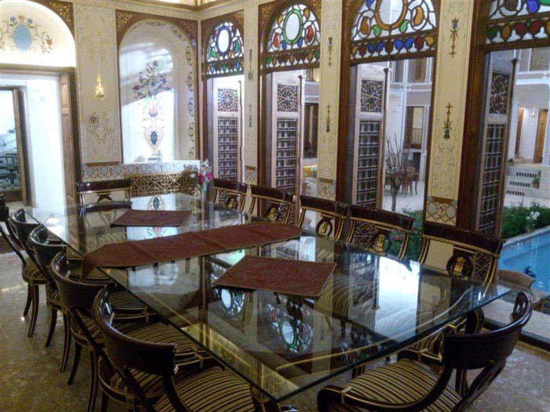 Khaneh Pedari Restaurant (3).jpg