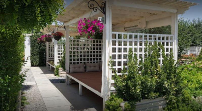 Narcissus Garden Restaurant (1).JPG