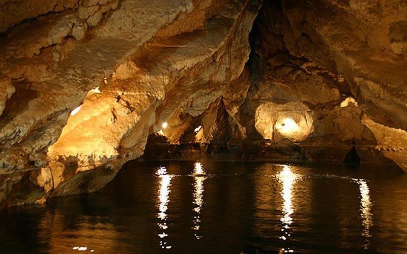 غار قوری قلا (قوری قلعه)