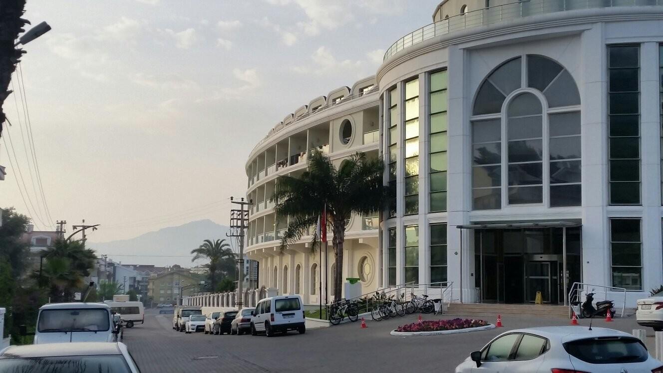 هتل پینتا پارک دیلاکس