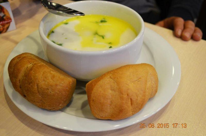 Karas Restaurant (3).jpg