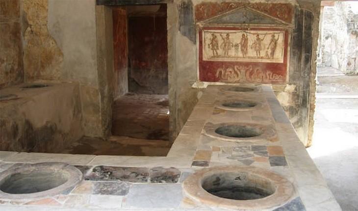 غرفه مواد فست فودی 2000 ساله که ترموپلیا نامیده میشد، در پمپی کشف شد