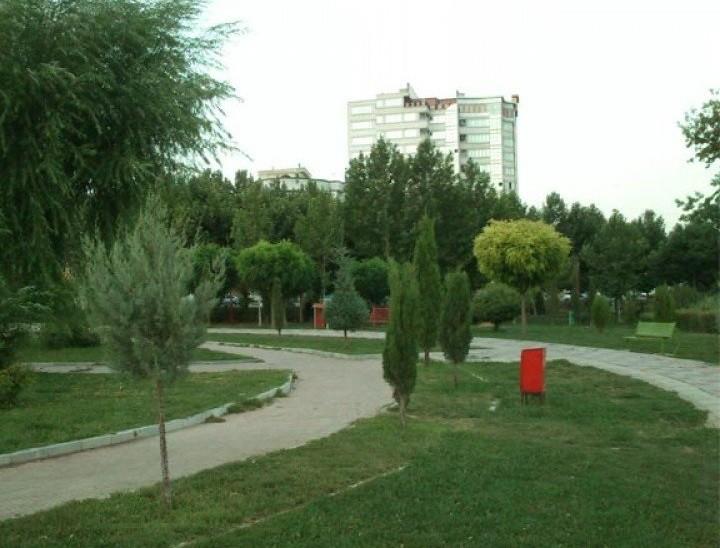 Mahabad Mellat Park