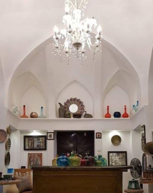Shah Neshin Amin Aldoleh Cafe